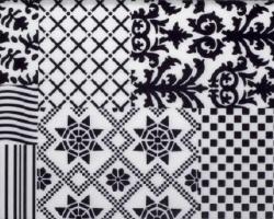 Mármol blanco y decoración negra