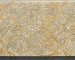 Mármol beige decorado con oro